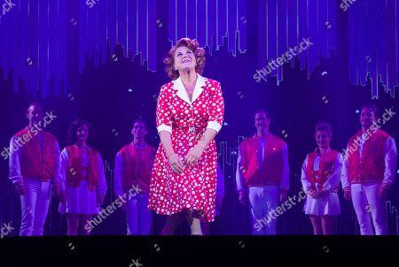Wendi Peters (Curtain Call)