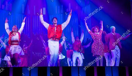 Jay McGuiness & Kimberley Walsh, Wendi Peters & Matthew Kelly (Curtain Call)