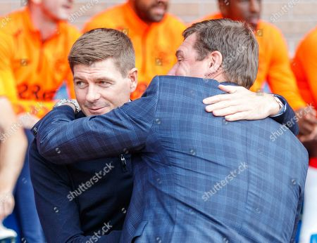 Rangers Manager Steven Gerrard & St. Johsntone Manager Tommy Wright embrace before kickoff.