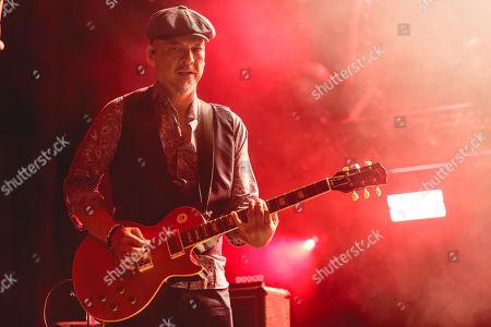 Stock Picture of Pixies - Joey Santiago