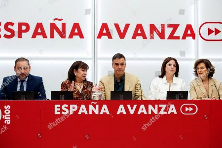 Spanish acting Prime Minister and general secretary of the socialist party (PSOE) Pedro Sanchez (C) chairs the party's Executive Board meeting next to PSOE's president Cristina Narbona (2-L), PSOE's deputy general secretary Adriana Lastra (2-R), Spanish acting deputy Prime Minister Carmen Calvo (R) and Organization Secretary Jose Luis Abalos (L) in Madrid, Spain, 19 September 2019.