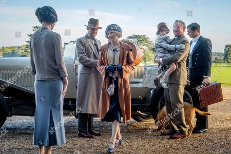 Elizabeth McGovern as Lady Grantham, Harry Hadden-Paton as Lord Hexham, Laura Carmichael as Lady Hexham, Hugh Bonneville as Lord Grantham and Michael C Fox as Andy Parker