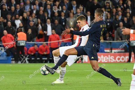 Thomas Meunier score a goal