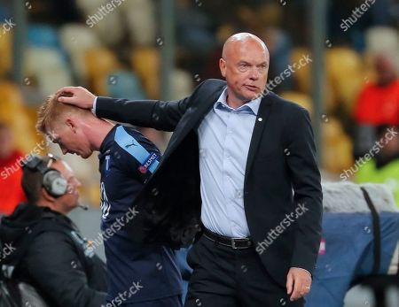 Stock Photo of Malmo head coach Uwe Rosler (R) reacts during the UEFA Europa League group B soccer match between FC Dynamo Kyiv and Malmo FF in Kiev, Ukraine, 19 September 2019.