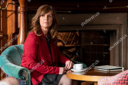 Siobhan Finneran as Elaine Pickford.