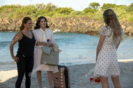 Poppy Montgomery as Cat Chambers and Marcia Gay Harden as Betty Ann Miller