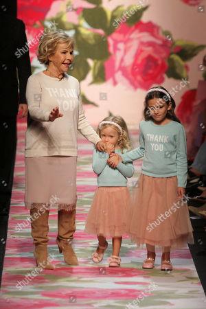 Anna Molinari and models on the catwalk