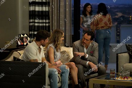 Bryan Craig as Javi Mendoza, Anne Winters as Ingrid, Demian Bichir as Santiago Mendoza