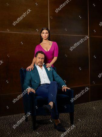 Demian Bichir as Santiago Mendoza and Roselyn Sanchez as Gigi Mendoza