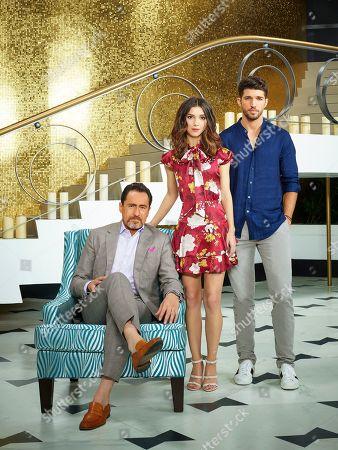 Demian Bichir as Santiago Mendoza, Denyse Tontz as Alicia Mendoza and Bryan Craig as Javi Mendoza