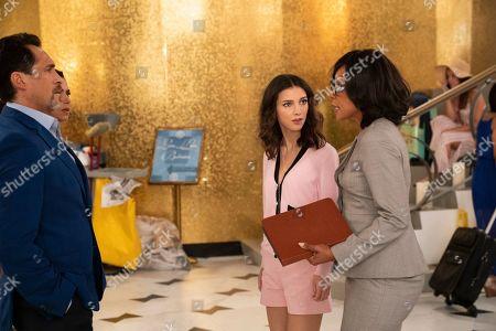 Demian Bichir as Santiago Mendoza, Denyse Tontz as Alicia Mendoza and Wendy Raquel Robinson as Helen Parker