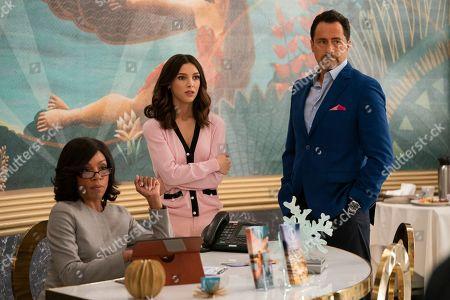 Wendy Raquel Robinson as Helen Parker, Denyse Tontz as Alicia Mendoza and Demian Bichir as Santiago Mendoza