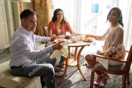 Adrian Pasdar as Felix Renna, Justina Adorno as Yoli Renna and Feliz Ramirez as Carolina Renna