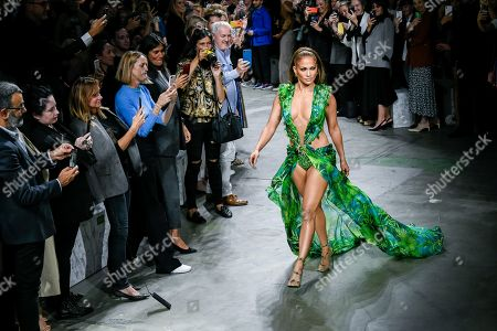 Jennifer Lopez on the catwalk