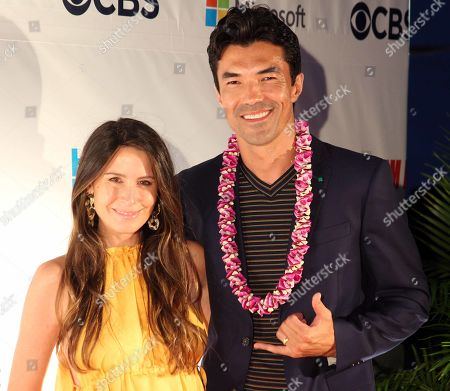 Ian Anthony Dale and his wife Nicole Garippo during the Hawaii Five-O and Magnum P.I. Sunset On The Beach event on Waikiki Beach in Honolulu, Hawaii - Michael Sullivan/CSM