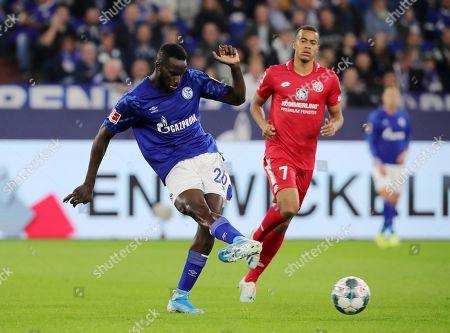 Salif Sane, Robin Quaison /   /    /       / Sport / Football / DFL Bundesliga  /  2019/2020 / 20.09.2019 / FC Schalke 04 vs. 1.FSV Mainz 05 / DFL regulations prohibit any use of photographs as image sequences and/or quasi-video. /