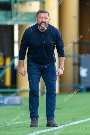 Aberdeen manager Derek McInnes screams at his players during the Ladbrokes Scottish Premiership match between Livingston FC and Aberdeen FC at The Tony Macaroni Arena, Livingston
