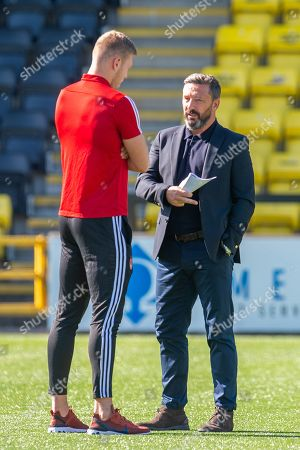 Aberdeen manager Derek McInnes speaks with Sam Cosgrove (#16) of Aberdeen FC before the Ladbrokes Scottish Premiership match between Livingston FC and Aberdeen FC at The Tony Macaroni Arena, Livingston