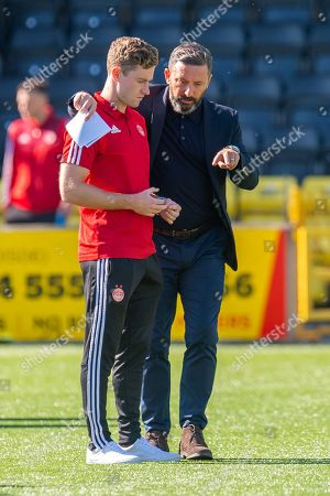 Aberdeen manager Derek McInnes speaks with Jon Gallagher (#21) of Aberdeen FC before the Ladbrokes Scottish Premiership match between Livingston FC and Aberdeen FC at The Tony Macaroni Arena, Livingston