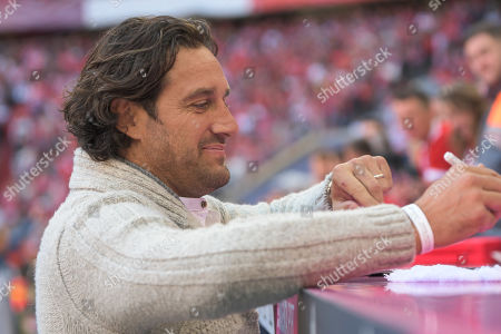 Stock Picture of Luca Toni zu Gast bei den Bayern, FC Bayern Muenchen - 1.FC Koeln, Bundesliga, 21.09.2019 DFL REGULATIONS PROHIBIT ANY USE OF PHOTOGRAPHS AS IMAGE SEQUENCES AND/OR QUASI-VIDEO