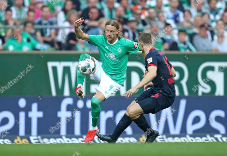 21.09.2019, Football 1. Bundesliga 2019/2020, 5.  match day, Werder Bremen - RB Leipzig, Weserstadium Bremen. (L-R) Michael Lang (Werder Bremen)  -  Lukas Klostermann (RB Leipzig)