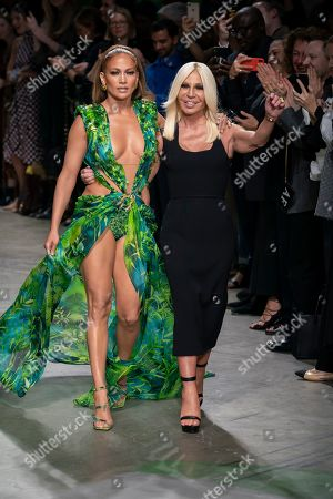 Jennifer Lopez and Donatella Versace on the catwalk