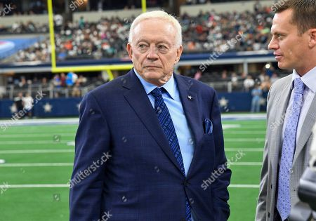 Dallas Cowboys owner and general manager Jerry Jones on the field before an NFL game between the Miami Dolphins and the Dallas Cowboys at AT&T Stadium in Arlington, TX Dallas defeated Miami 31-6 Albert Pena/CSM