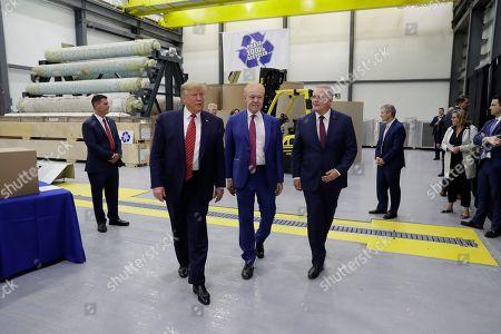 Donald Trump Scott Morrison. President Donald Trump and Australian Prime Minister Scott Morrison, right, tour Pratt Industries, in Wapakoneta, Ohio. Pratt Industries chairman Anthony Pratt is at center
