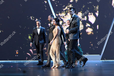 """Julia Louis-Dreyfus, Tony Hale, Anna Chlumsky, Timothy Simons, Matt Walsh, Reid Scott, Gary Cole, Kevin Dunn, Sam Richardson, Sarah Sutherland, Clea Duvall. The cast of """"Veep"""" appear on stage at the 71st Primetime Emmy Awards, at the Microsoft Theater in Los Angeles"""