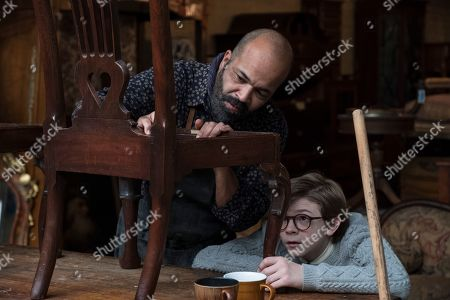 Jeffrey Wright as Hobie and Oakes Fegley as Young Theo Decker