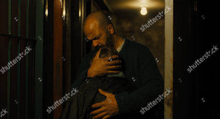 Oakes Fegley as Young Theo Decker and Jeffrey Wright as Hobie