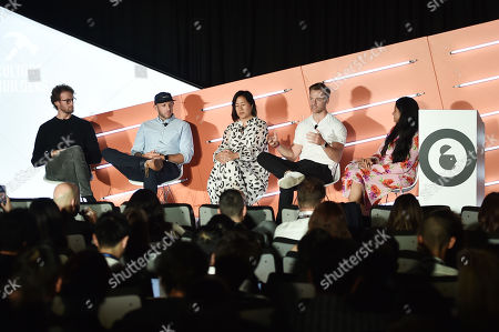 Johannes Quodt (Co-Founder & CEO, Koio), David Heath (Co-Founder & CEO, Bombas), Melissa Mash (CEO & Co-Founder, Dagne Dover), Nate Checketts (Co-Founder & CEO, Rhone), Shareen Pathak (Managing Director, Editorial Products, Digiday)