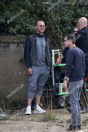 Stock Photo of Simon Pegg filming and directing his new Amazon Prime show Truth Seekers.