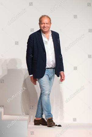 Ermanno Scervino on the catwalk