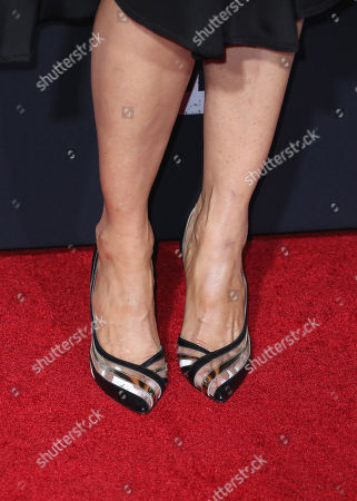 Jenna Elfman - shoe detail