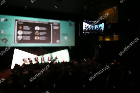Stock Image of Paolo Provinciali (Head of US Media, Anheuser Busch.), David Markel (VP, Enterprise Strategy, Publicis Media), Luke Lambert (Head of Programmatic, OMD USA), Vijay Rao (VP, Head of Platform Sales & Strategy, Verizon Media), Dan Callahan (VP, Audience and Automated Sale, Fox Corporation), Lauren Silva (VP, Global Programmatic Partnerships, CBS Interactive)