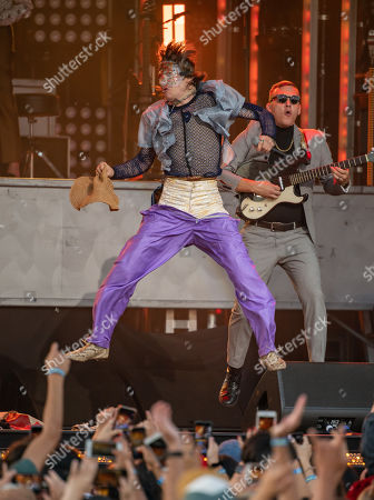 Stock Picture of Cage The Elephant - Matt Shultz