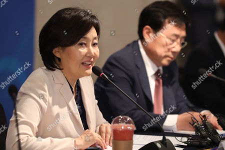 Park Young-sun (L), South Korean Minister for SMEs and Startups, speaks during a meeting with small and medium-sized business owners in Seoul, South Korea, 24 September 2019.