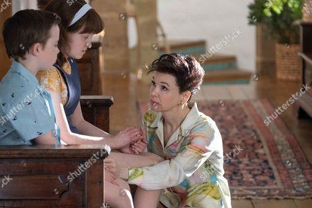 Lewin Lloyd, Bella Ramsey as Lorna Luft and Renee Zellweger as Judy Garland