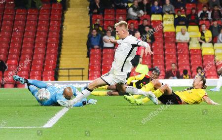 Sam Surridge of Swansea City beats Watford goalkeeper Heurelho Gomes to score goal