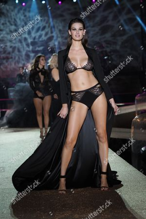 Ophelie Guillermand on the catwalk