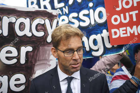 Conservative member of Parliament  Tobias Ellwood arrives at parliament in London, Britain, 25 September 2019. Members of Parliament have been recalled after the Supreme Court ruled that the suspension of parliament by British Prime Minister Boris Johnson was not lawful.