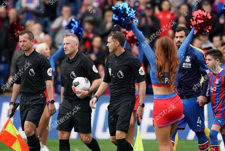 Referee Jon Moss