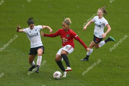 Niamh Fahey of Liverpool and Lauren James of Manchester United