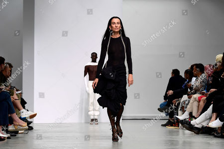 A model presents a creation from the Spring/Summer 2020  Ready to Wear collection by American designer Casey Cadwallader for Mugler label brand during the Paris Fashion Week, in Paris, France, 25 September 2019. The presentation of the Spring/Summer 2020 collections runs from 23 September to 1 October 2019.