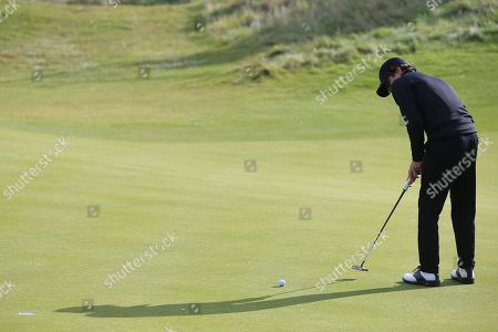 KINGSBARNS, SCOTLAND. 28 SEPTEMBER 2019: Brad Simpson putting during round three of the Alfred Dunhill Links Championship, European Tour Golf Tournament at Kingsbarns, Scotland