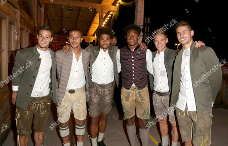 Philippe Coutinho with Thiago Alcantara, Serge Gnabry, David Alaba/David Olatukunbo, Joshua Kimmich and Lucas Hernandez