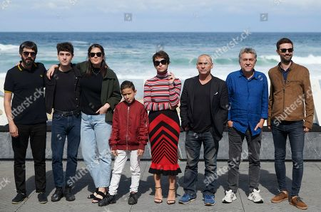 Greta Fernandez, Eduard Fernandez, Alex Monner, Tomas Martin and Belen Funes