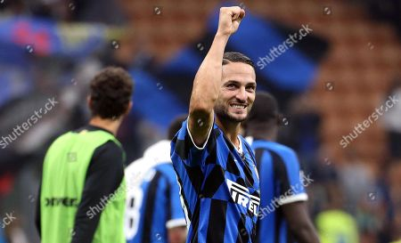 Inter's Danilo D'Ambrosio celebrates at the end of the Italian Serie A soccer match between FC Inter and SS Lazio at Giuseppe Meazza stadium in Milan, Italy, 25 September 2019.