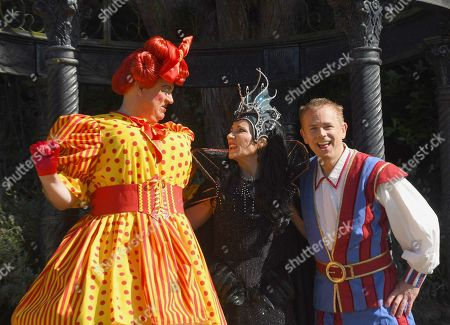 Panto Dame Matt Rixon, Michelle Collins and Muddles, Chris Jarvis from CBeebies.